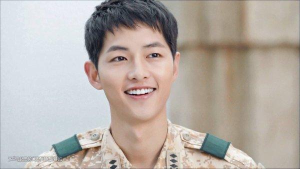 Song Joong Ki - Đại úy trong lòng các fan nữ