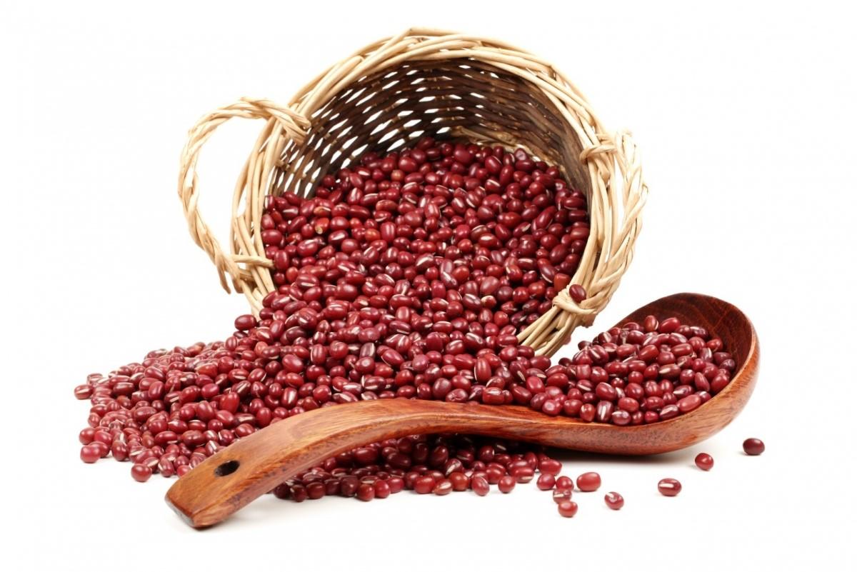 Đậu đỏ hạt nhỏ giúp giải độc, tiêu thũng, điều trị phù nề, mụn nhọt..