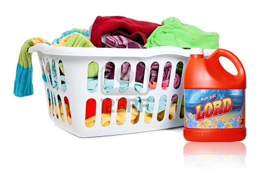 Sử dụng sản phẩm tẩy dành riêng cho máy giặt