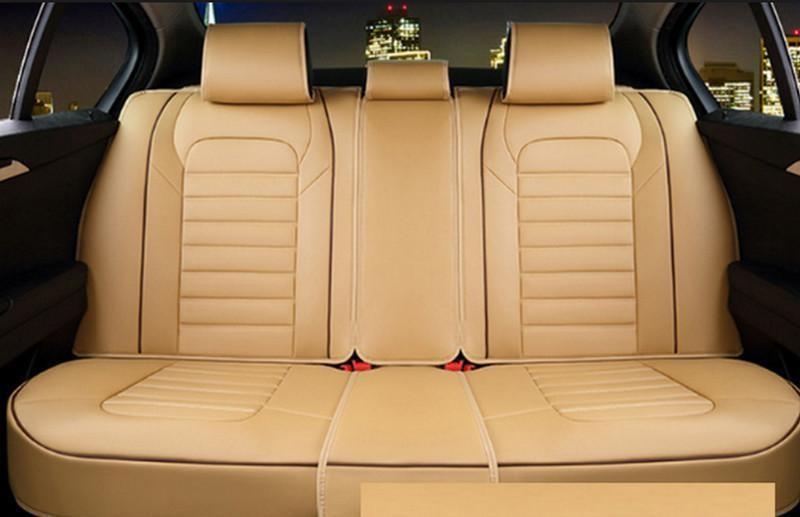 Bọc ghế da cho ô tô để tránh bị bám mùi, bong nứt trong quá trình sử dụng.