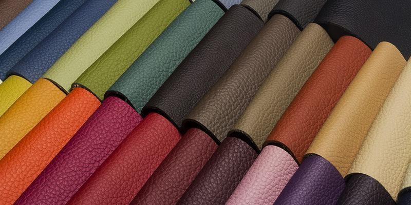 Nên lựa chọn màu sắc và chất liệu da bọc ghế ô tô phù hợp với màu chủ đạo xe.