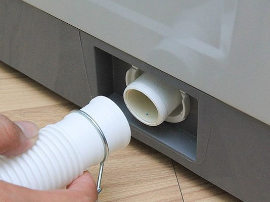 Hướng dẫn cách lắp vòi nước máy giặt Toshiba